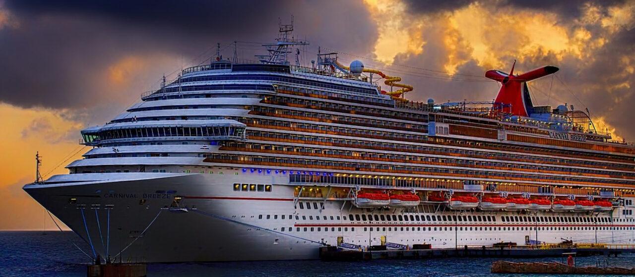 https://travelgranadatour.com/wp-content/uploads/2020/04/Crucero-por-el-Norte-de-Europa-1280x560.jpg
