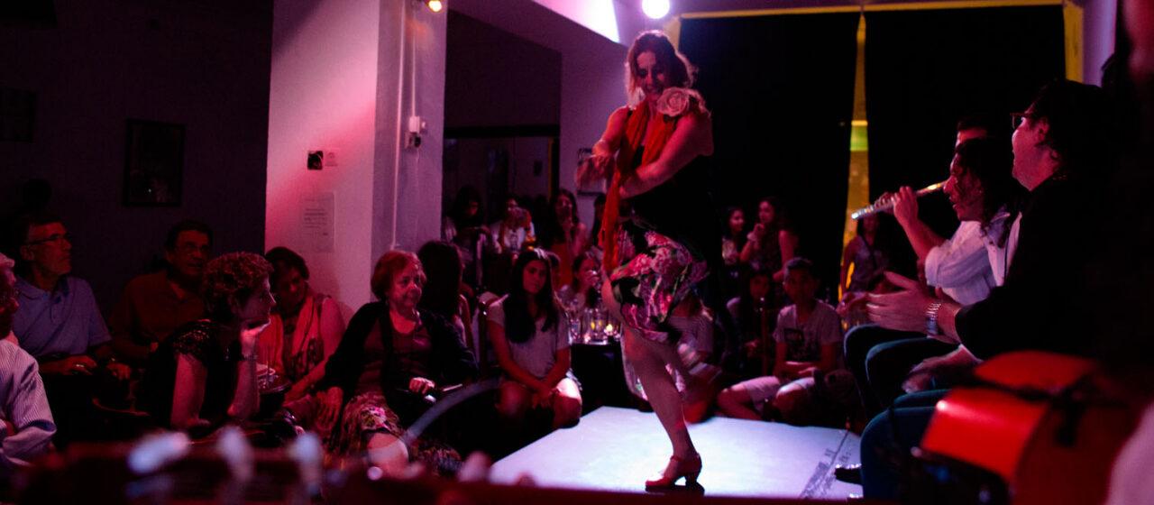 https://travelgranadatour.com/wp-content/uploads/2020/05/Flamenco-Kalipé-1280x560.jpg