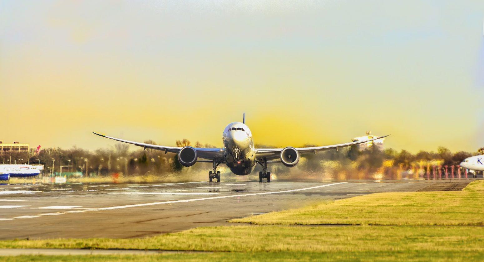 Avión Destinos Travel Granada Tour